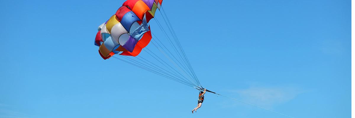 parasailing-in-the-bahamas