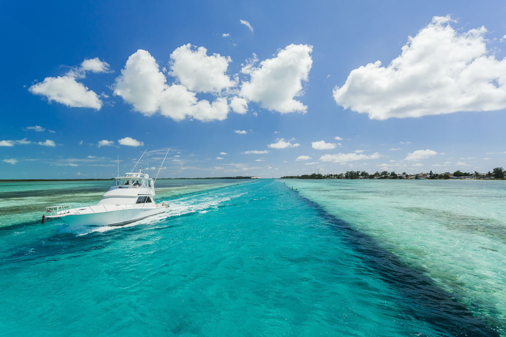 Boating in the Bahamas
